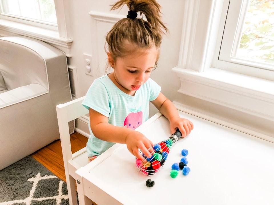 ألعاب تناسب الطفل من عمر العامين إلى ثلاث سنوات