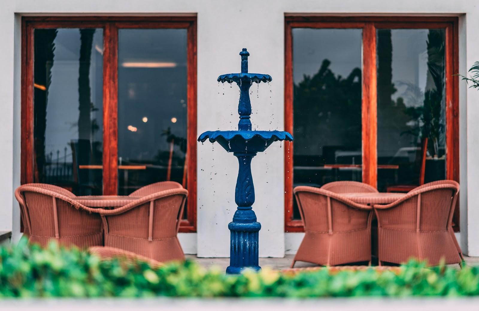 أشكال نافورات منزلية بسيطة - نافورة مياه بسيطة تصلح للمساحات الداخلية والخارجية للمنازل،