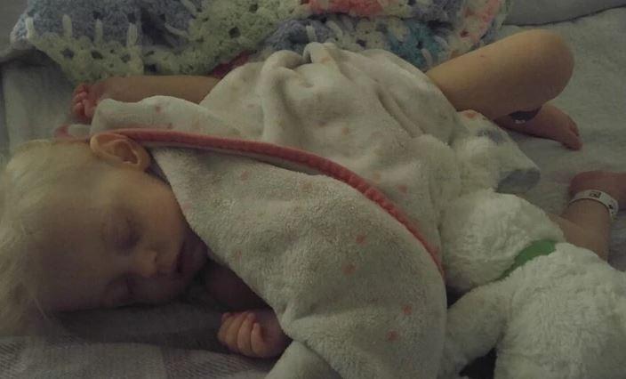 طفلة فقدت دمها بسبب كثرة شرب الحليب