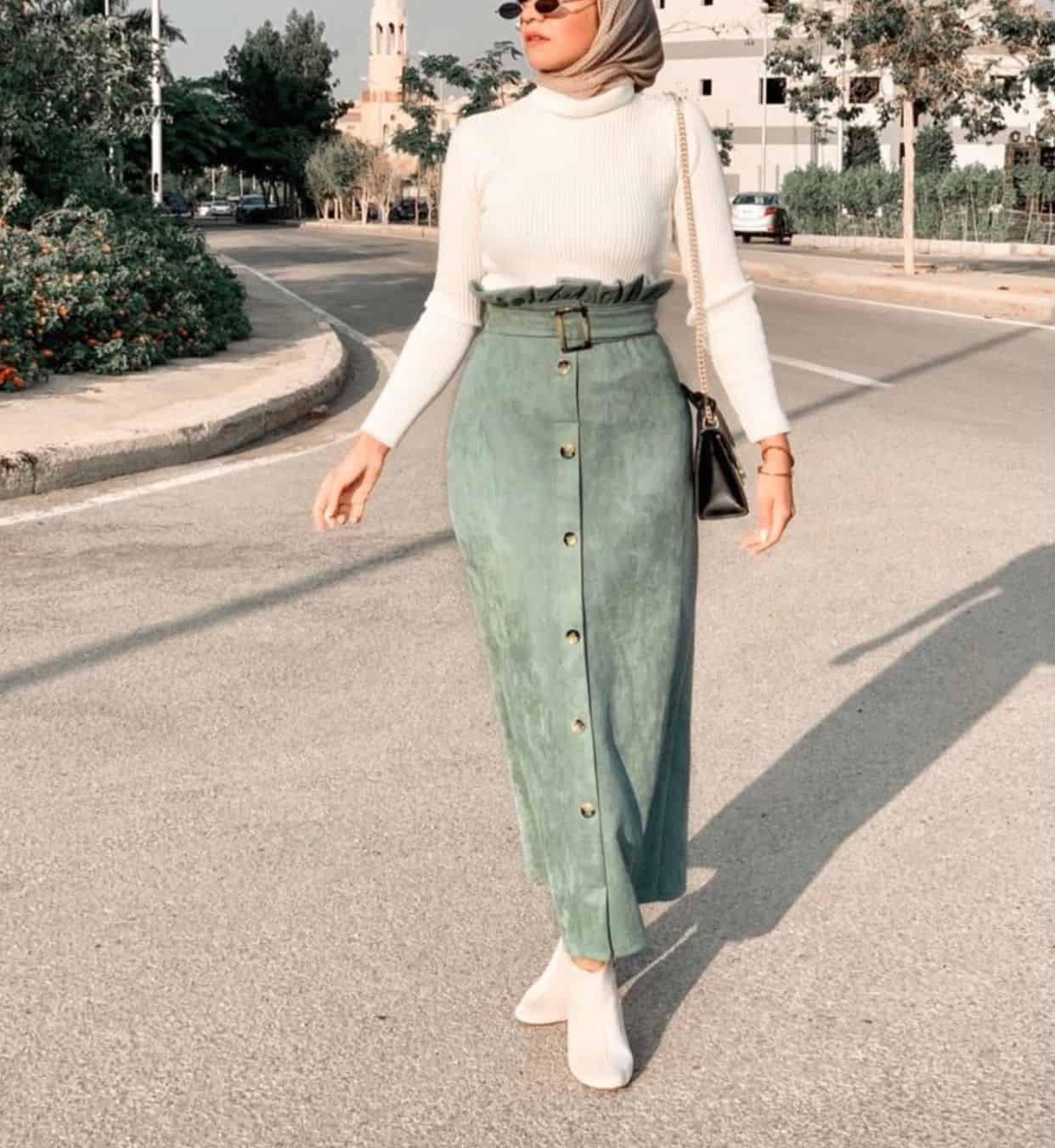 ملابس تناسب الطويلات المحجبات- الجيب مرتفعة الخصر