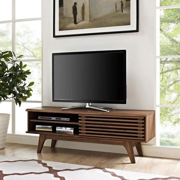 طاولات تلفزيون 2020- طاولة خشبية بتصميم كلاسيكي