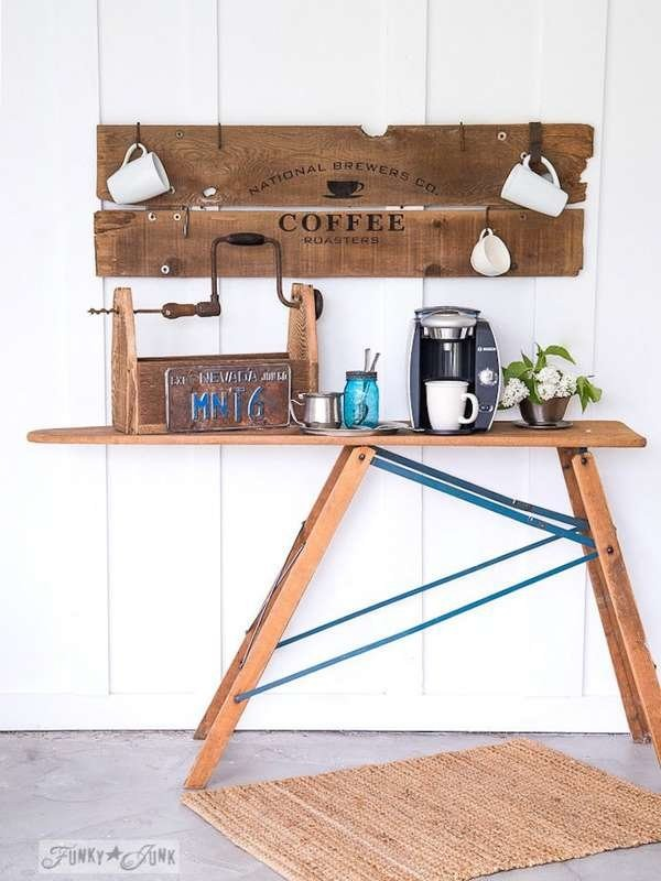 ركن القهوة في المنزل- ركن القهوة من طاولة قديمة