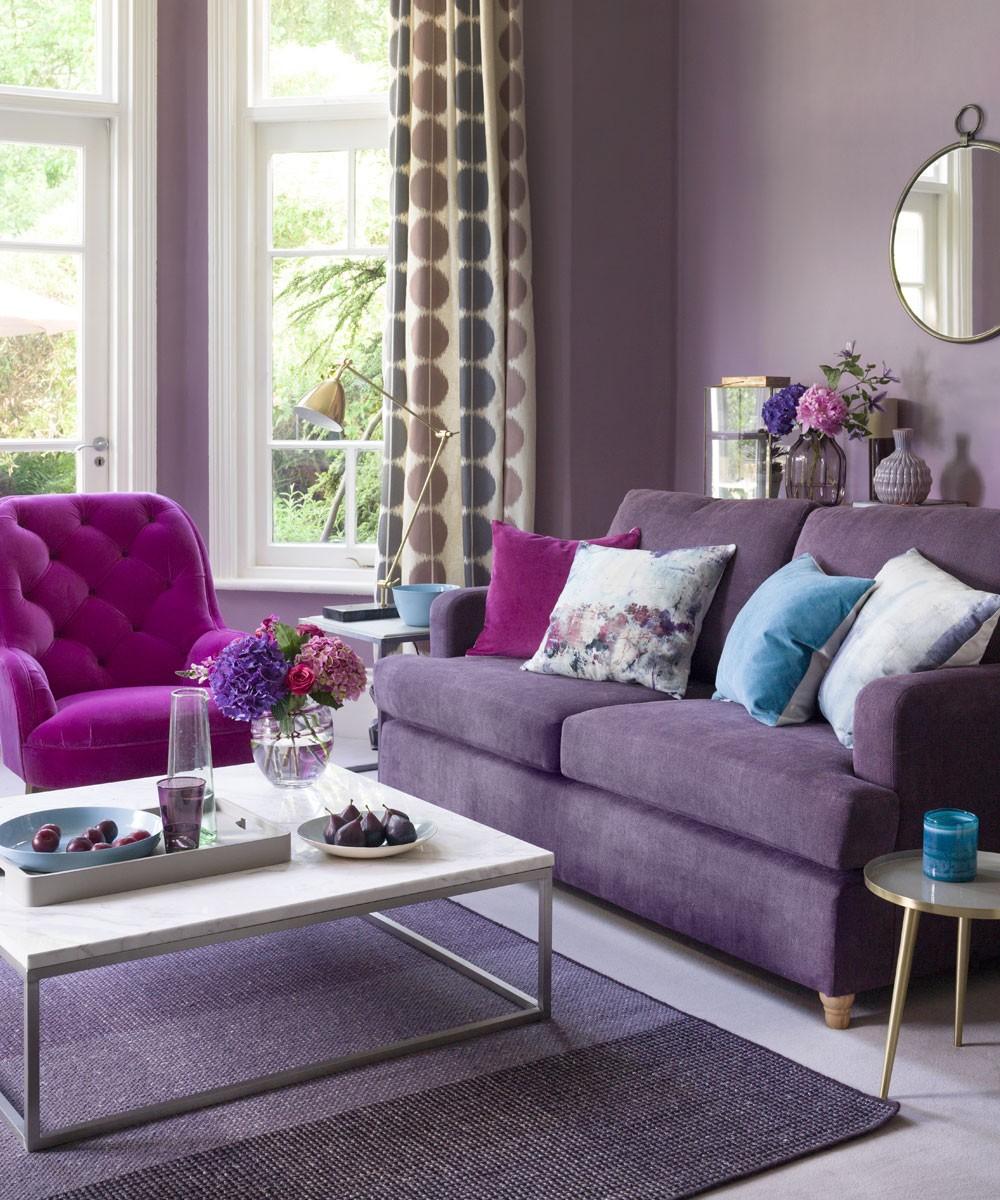 غرفة المعيشة باللون الموف- درجة الموف الرمادي