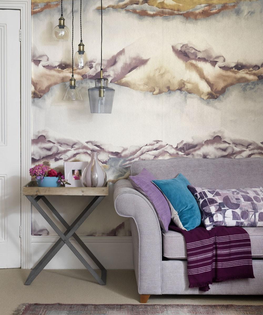 غرفة المعيشة باللون الموف- رسومات بالموف في الحوائط