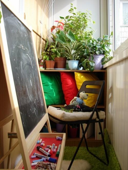 أفكار لديكور بلكونة صغيرة- مساحة للعب الصغير