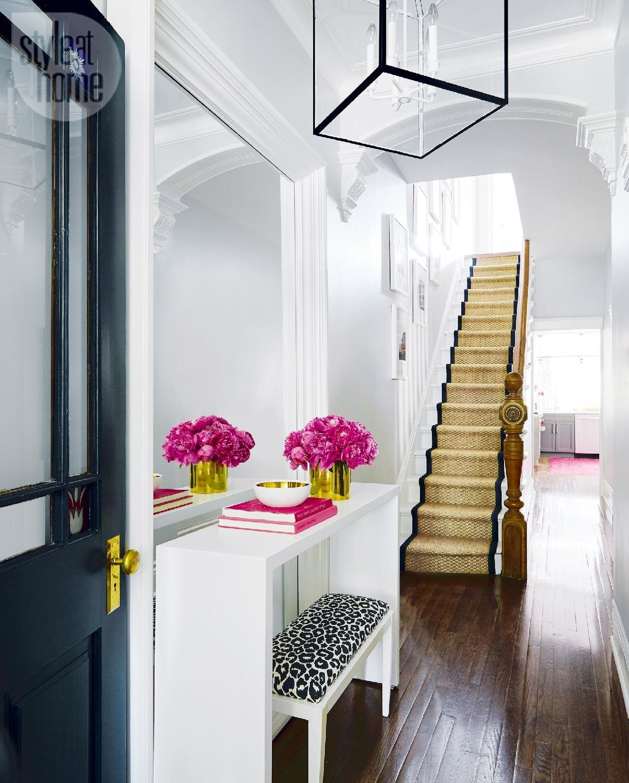 بالصور ديكور مدخل المنزل باللون الوردي- لمسة من الوردي