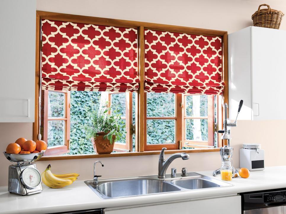 ديكور المطبخ المغربي- الأحمر القرميدي في الستائر