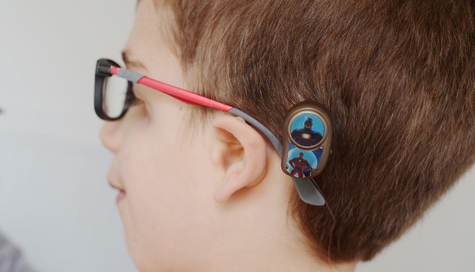 علاج ضعف السمع عند الأطفال بالأعشاب - سماعات التوصيل العظمي
