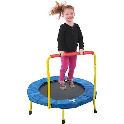 ألعاب للأطفال ذوي الاحتياجات الخاصة- الترامبولين