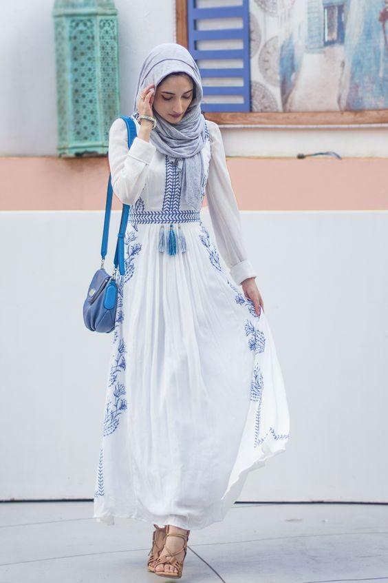 ملابس المحجبات في النهار- إطلالة نهارية بالفستان