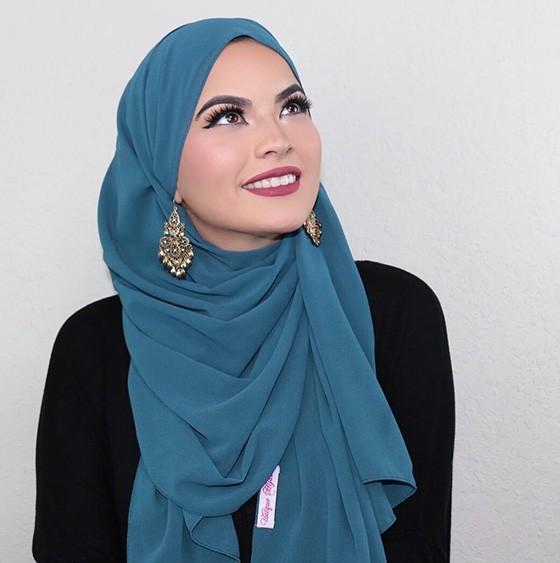 ملابس المحجبات في النهار- لفة الحجاب بالأقراط