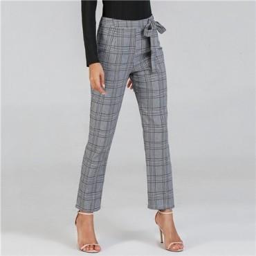 تنسيق اللون الرمادي في الملابس - بنطلون رمادي رسمي