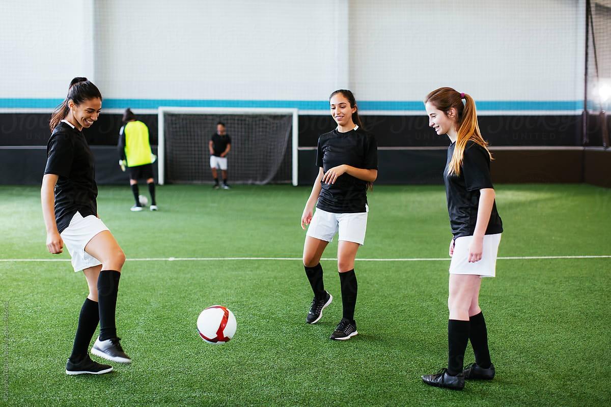 تمارين ممنوعة للحامل - كرة القدم للنساء