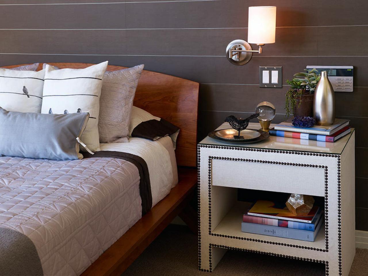 أشكال إضاءة غرف النوم - مصباح حائط