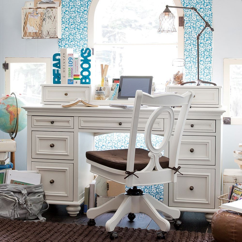 أشكال المكاتب المودرن المناسبة لغرف الأطفال البنات-مكتب
