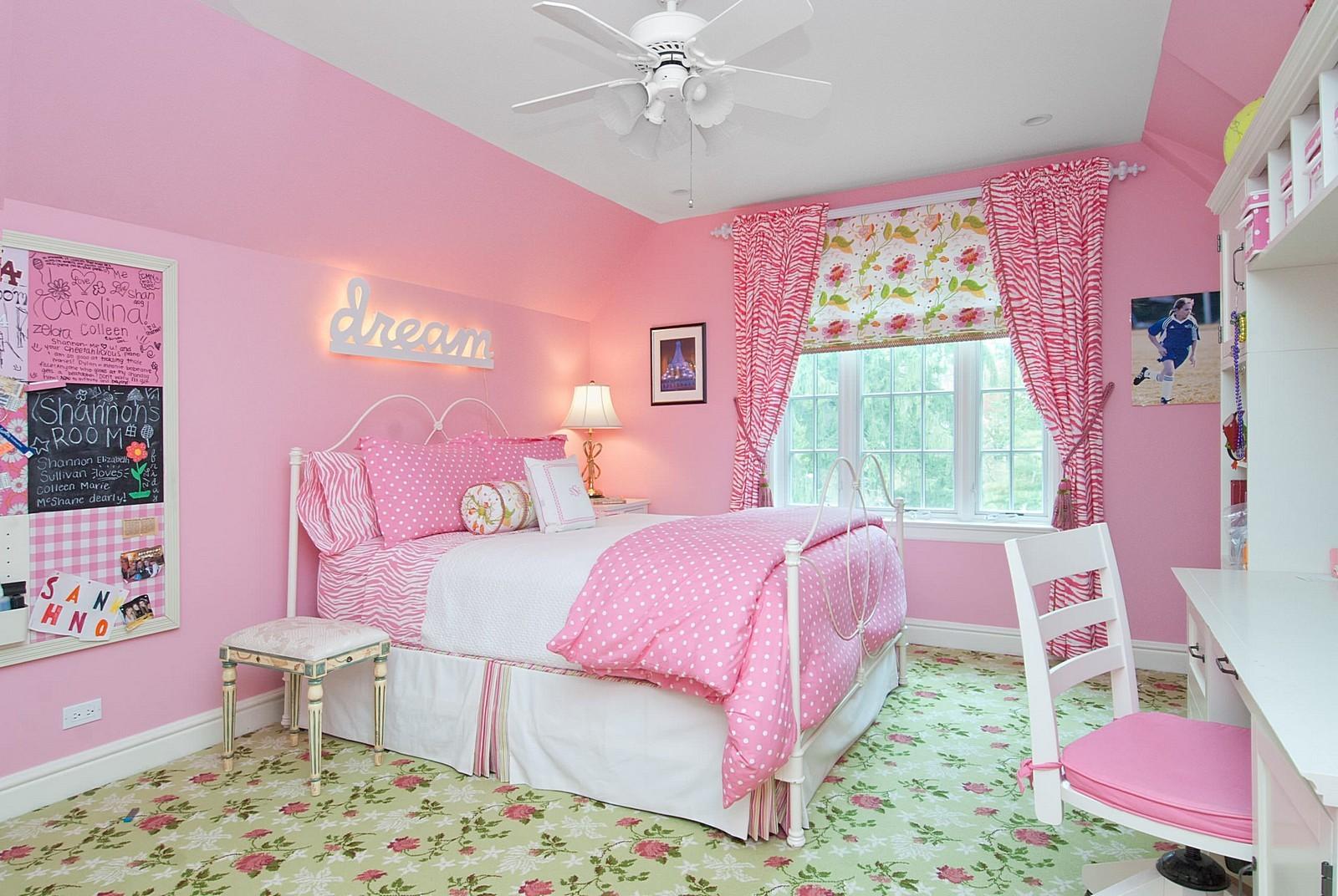 بالصور غرف نوم باللون الوردي-غرفة نوم وردي بسيطة