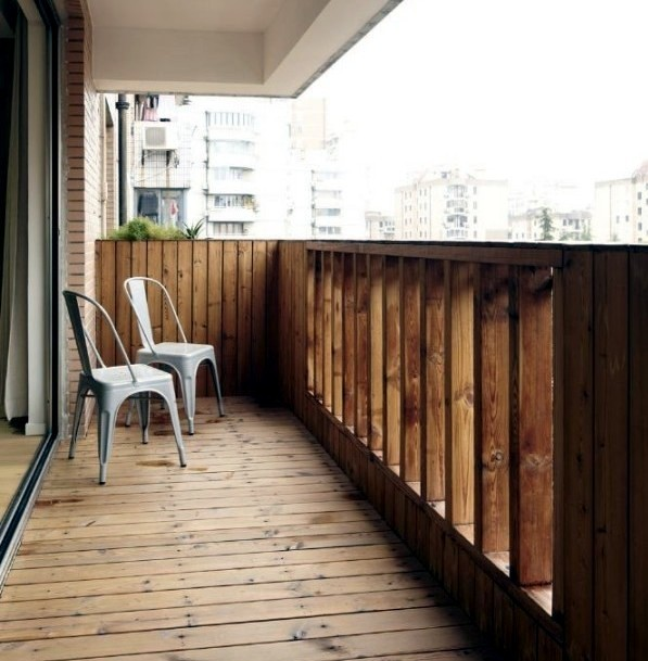أشكال تقفيل بلكونة خشب-بلكونة خشب واسع