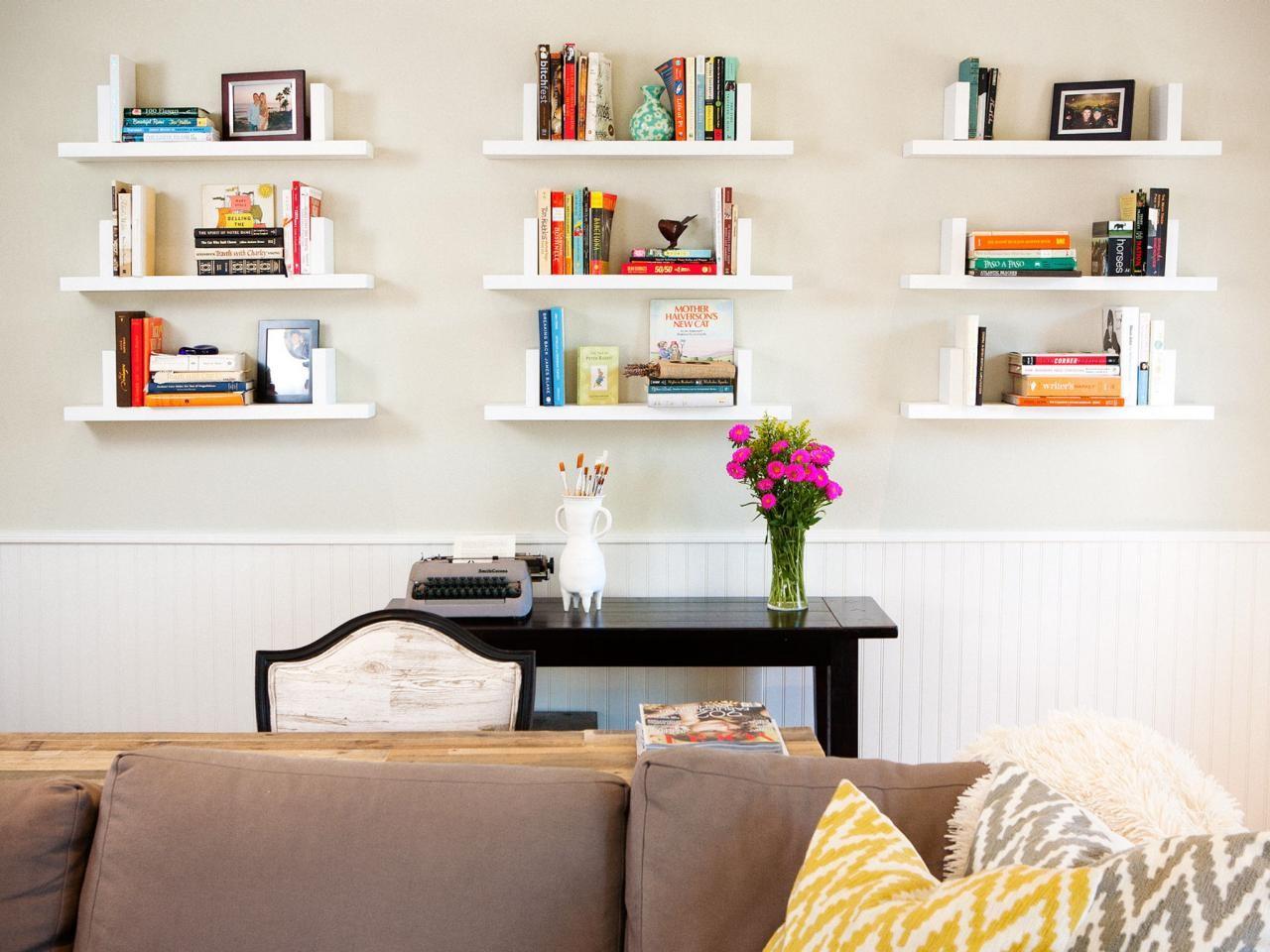 طريقة ترتيب الرفوف على الجدران-تزيين الأرفف بالكتب