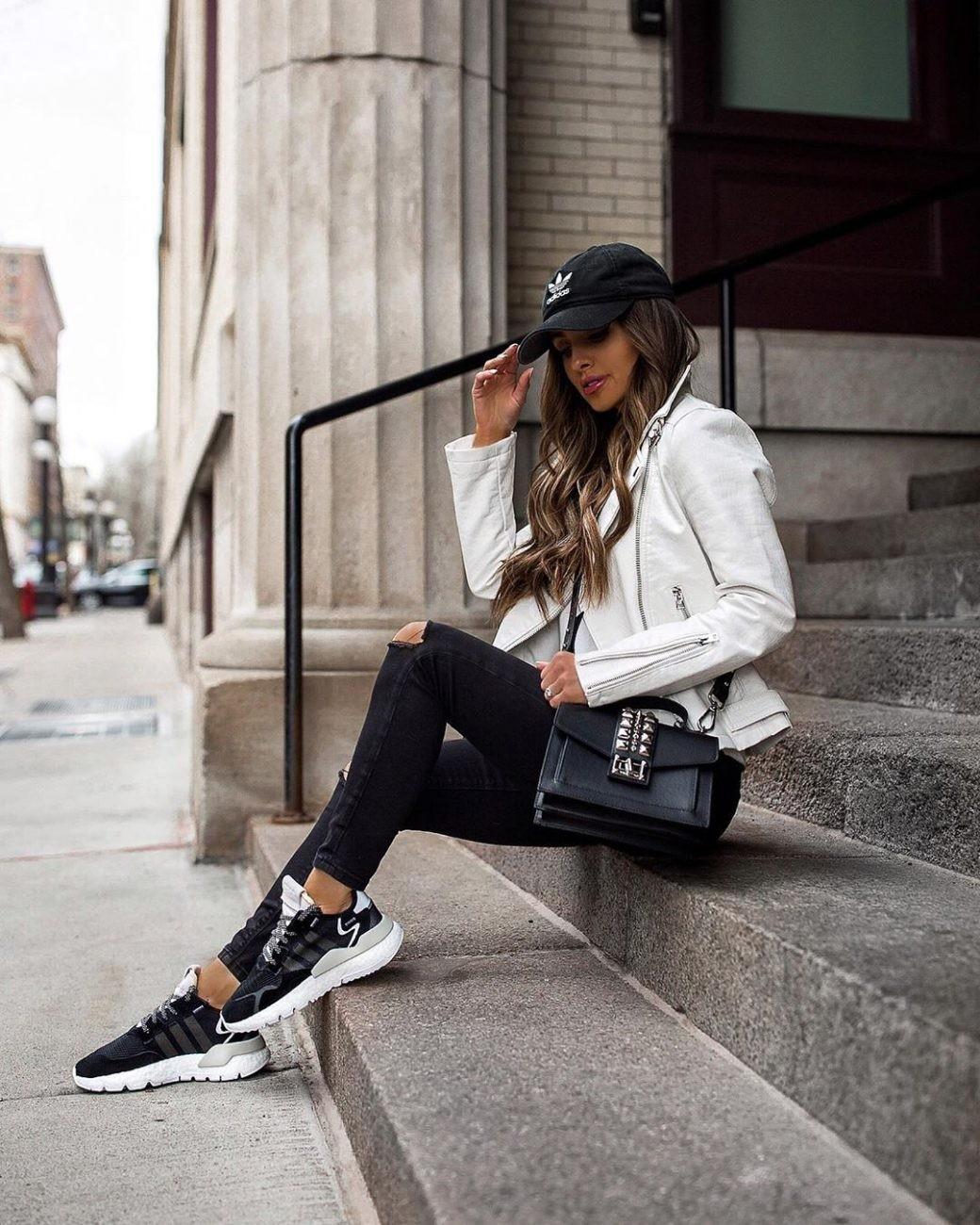 طرق ارتداء الجاكت الأبيض-جاكيت أبيض مع بنطلون أسود