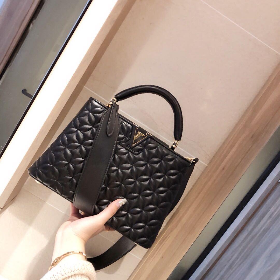ملابس كلاسيك-حقيبة سوداء