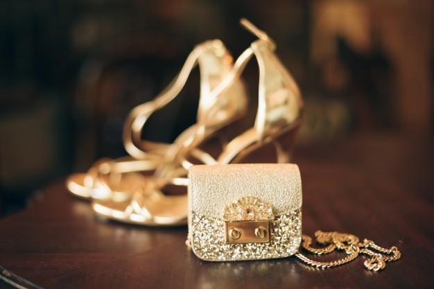 فساتين سواريه ذهبي-حذاء سواريه