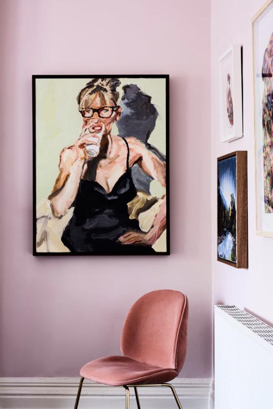 أفكار بسيطة لتزيين زوايا المنزل بالصور- جدار معرض الصور