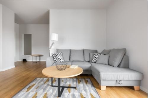 أفكار بسيطة لتزيين زوايا المنزل بالصور - زاوية قراءة مدمجة