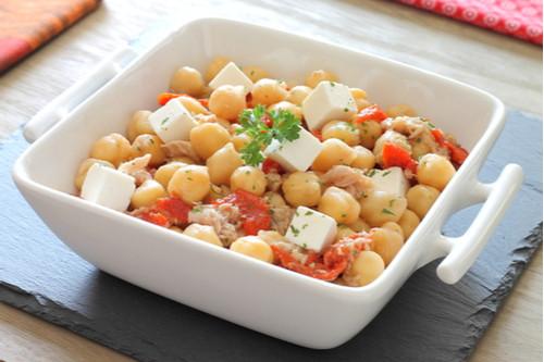 أكلات دايت سهلة - طريقة عمل التونة بالحمص والخضار