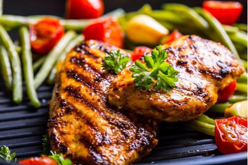 أكلات دايت سهلة - طريقة عمل صدور الدجاج المشوية