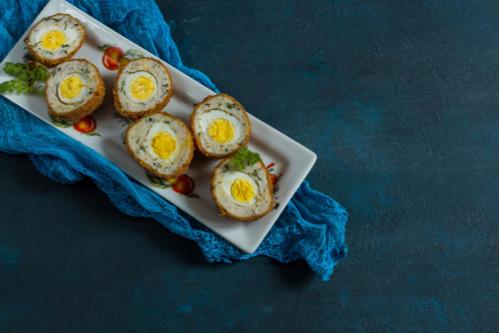 وصفات بيض للغداء - طريقة عمل رول اللحم بالبيض