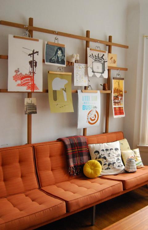 أفكار لتعليق الصور على الحائط - الشباك الخشب