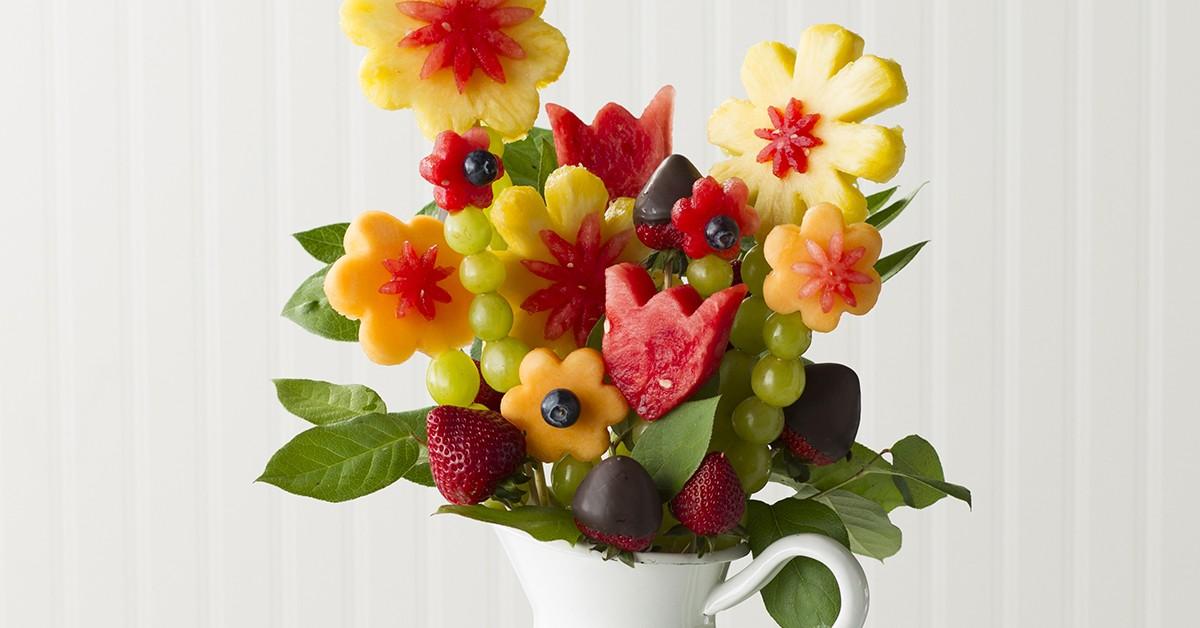 تزيين الفواكه للضيوف - وردات من الفواكه
