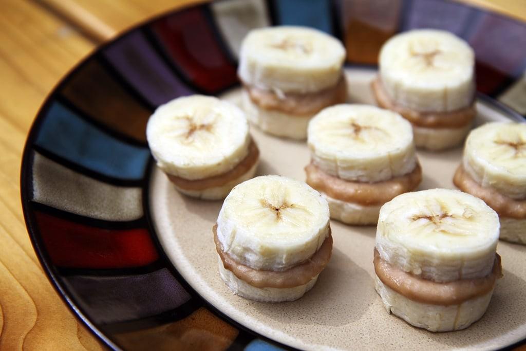 تزيين الفواكه للضيوف - قطع الفواكه مع الصوص