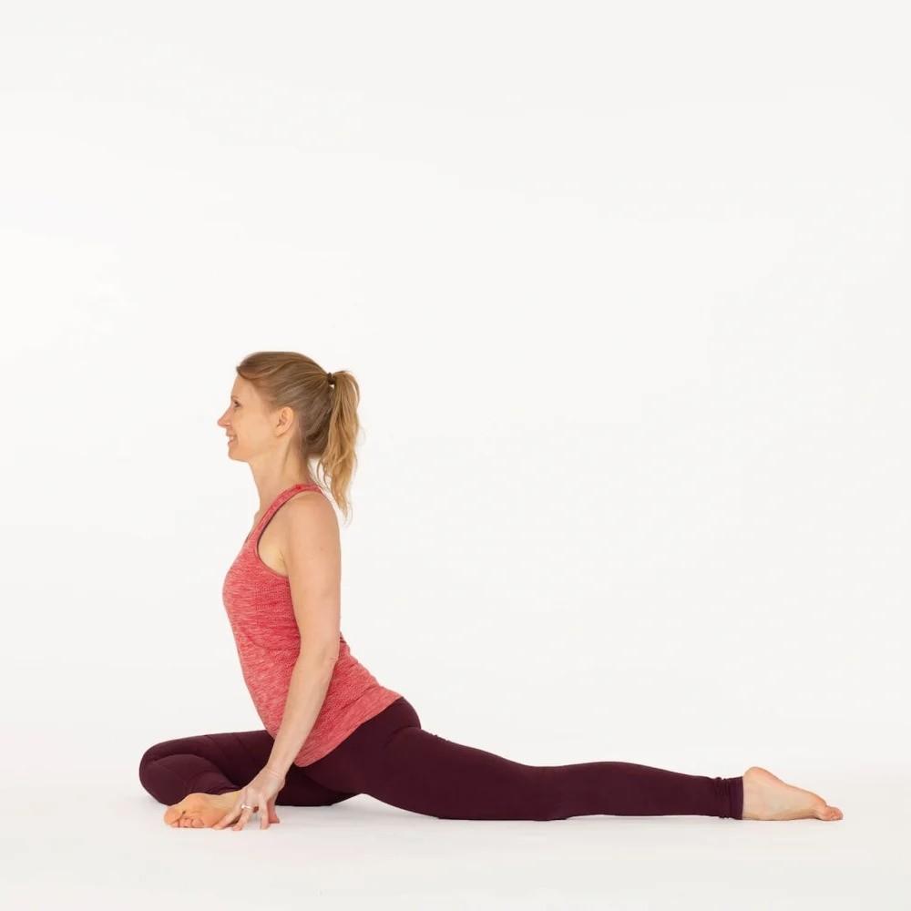 علاج ألم الورك بالتمارين - تمرين وضعية الحمامة بساق واحدة