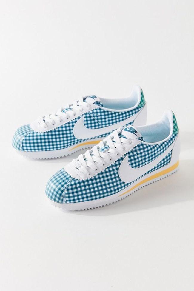 أشكال أحذية 2020 للبنات المراهقات - حذاء نايك كلاسيك كورتيز