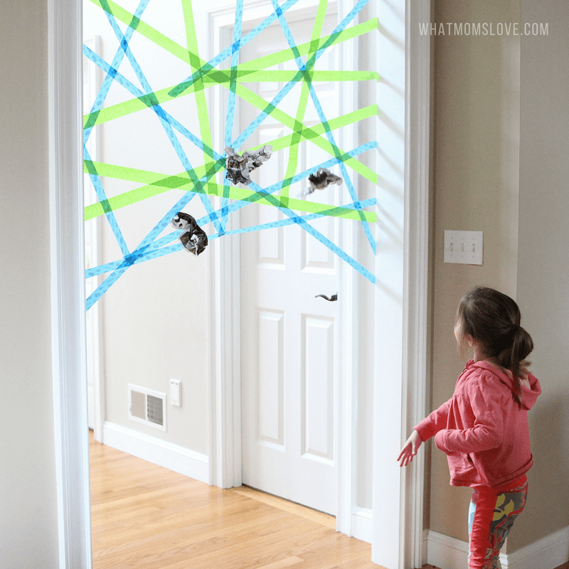 العاب حركية للاطفال عمر 4 سنوات - شبكة العنكبوت اللاصقة
