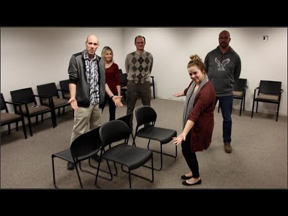 العاب عائلية جماعية في المنزل - لعبة الكراسي الموسيقية