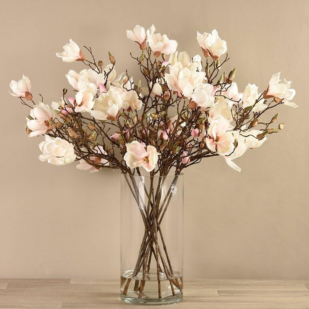 اشكال مزهريات ورد صناعي - أزهار الماغنوليا المشرقة