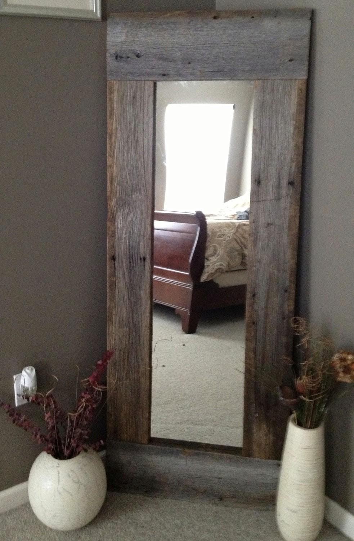 اشكال تحف خشبية مودرن - مرآة ركنية جذابة