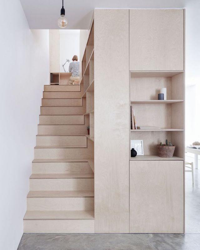 تصاميم سلالم داخلية مساحات صغيرة - السلالم الخشبية للتخزين