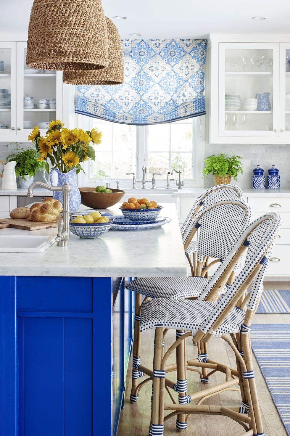 بالصور ديكورات للمطبخ باللون الازرق - درجة الأزرق الزاهي