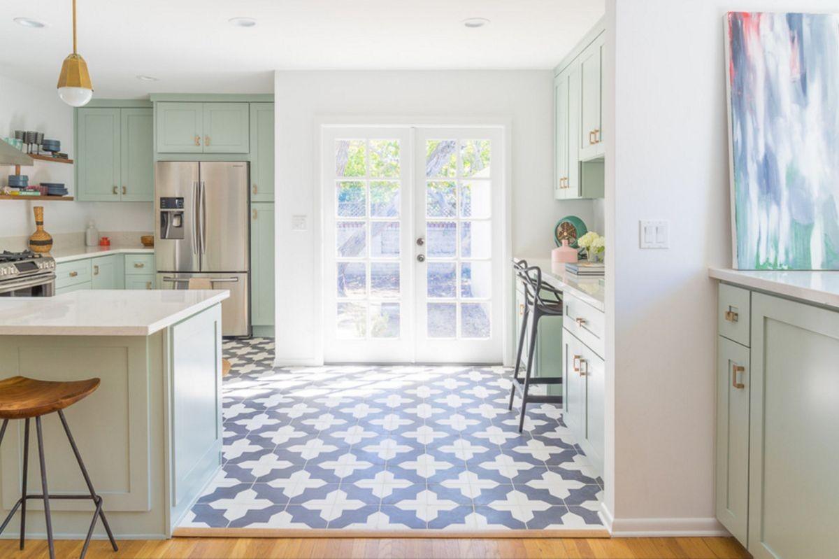 ديكورات باب للمطبخ - الأبواب الزجاجية للمطبخ