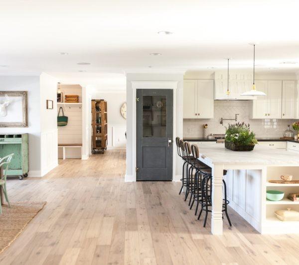 ديكورات باب للمطبخ - باب بتصميم عتيق للمطبخ