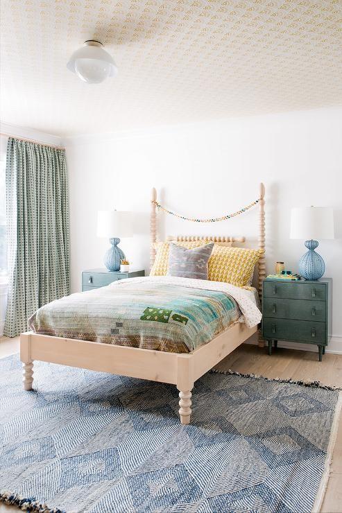 بالصور ديكورات لغرف نوم أطفال أولاد باللون الاخضر - ستارة ثقيلة منقوشة