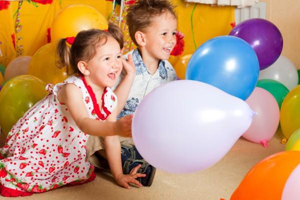 العاب حركية للاطفال عمر سنتين - لعبة البالونات