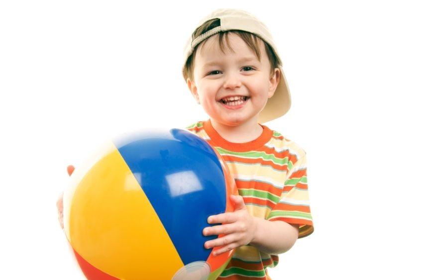 العاب حركية للاطفال عمر سنتين - لعبة الإمساك بالكرة