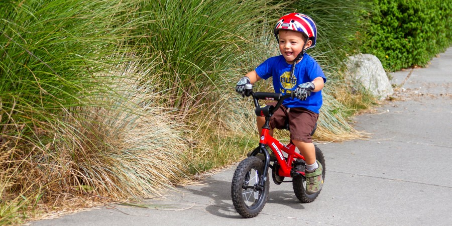 العاب حركية للاطفال عمر سنتين - ركوب الدراجة