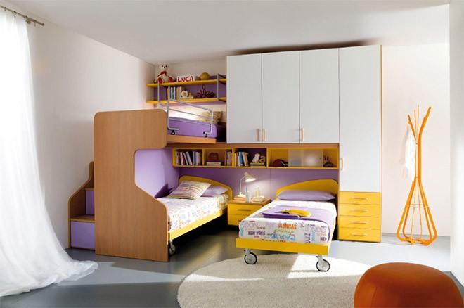 أشكال غرف نوم أطفال ثلاث سراير - سرير علوي مع سريرين منفصلين