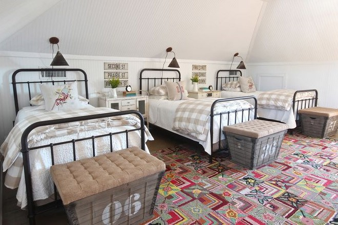 أشكال غرف نوم أطفال ثلاث سراير - غرفة تقليدية بأسرة معدنية