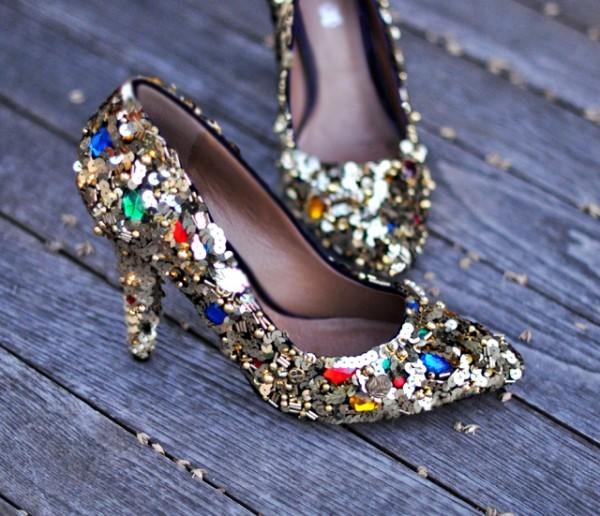 كيفية تزيين الأحذية بالاكسسوارات - تزيين الأحذية بالخرز